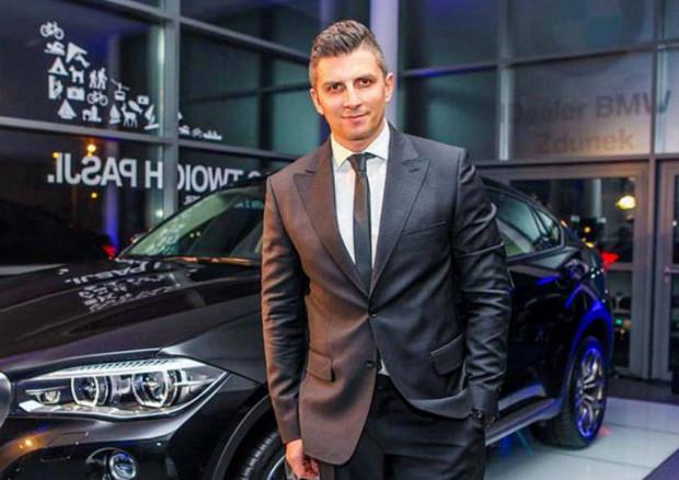 Mateusz Borek zmienia samochody jak rękawiczki. Średnio co trzy miesiące przesiada się do nowego modelu BMW.