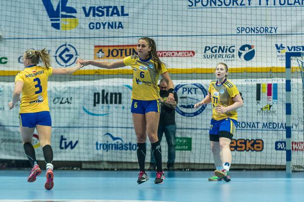 Emilia Galińska (nr 6) po sezonie pożegna się z Vistalem Gdynia.