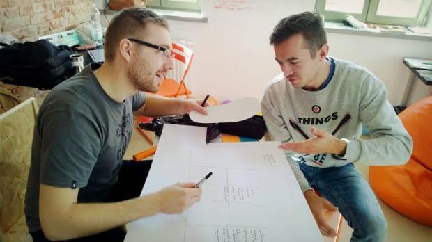 Clipster to przestrzeń, gdzie pracujący nad swoim pomysłem dostają wsparcie opiekunów i mentorów.
