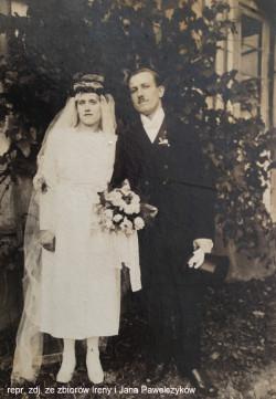 Rodzice Ireny - Agnieszka i Bernard - pobrali się w Kielnie w 1921 r.