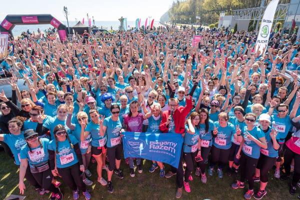 Prawie 1000 uczestników stanęło na starcie II Biegu Kobiet w Gdyni. Mimo że zmagania przeznaczone były dla pań to 9 mężczyzn zdecydowało się przebiec dystans 5 km.