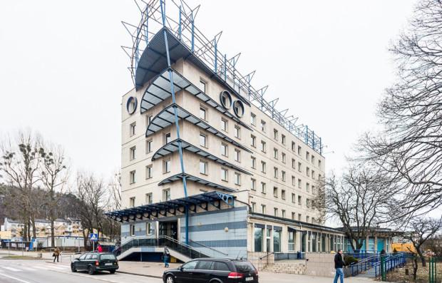 W ostatnich latach pracowali tutaj bankowcy z banku Nordea, a później przez chwilę PKO BP.