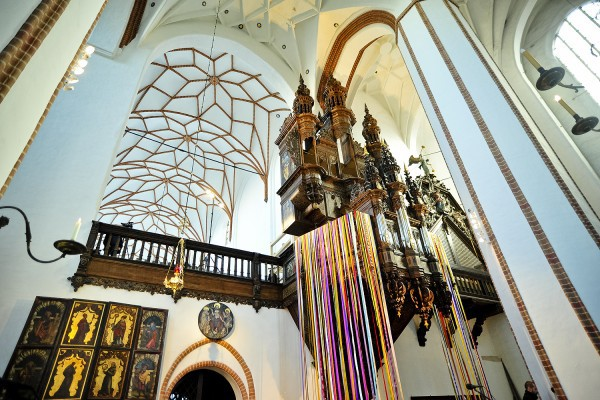 W sobotę, 28 września 2013 r., w kościele św. Trójcy odbyła się uroczysta inauguracja Rückpositivu - zestawu 12 głosów organowych zamkniętych w najmniejszej z trzech szaf organowych zabytkowego instrumentu Mertena Friese. Festiwal ORGANy PLUS+ będzie znakomitą okazją, aby przyjrzeć się postępom rekonstruktorskim oraz posłuchać muzyki, jaka brzmiała w zabytkowych wnętrzach przed wiekami.