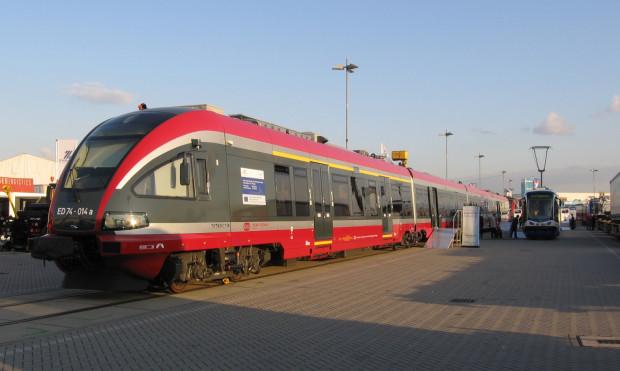 Pokaz pociągu serii ED-74 w Gdańsku Oliwie na targach Trako.