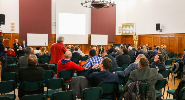 Jedno z kilku spotkań połączonych z debatami (nz. z radnymi dzielnic) dotyczących Drogi Zielonej i tunelu pod Pachołkiem.