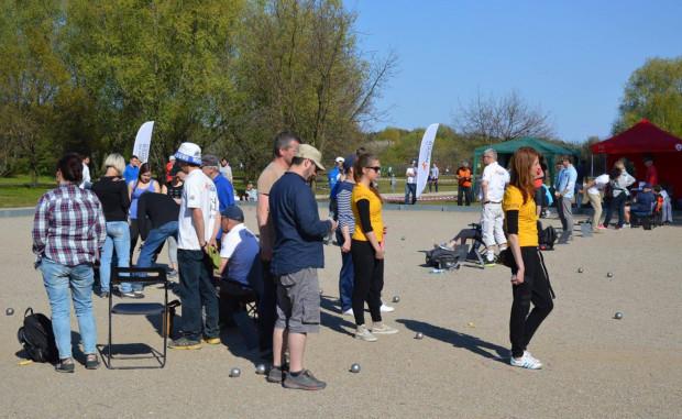 Turniej petanque o puchar Prezydenta Miasta Gdańska przyciągnął na boulodrom w Parku Nadmorskim im. Ronalda Reagana 40 uczestników.