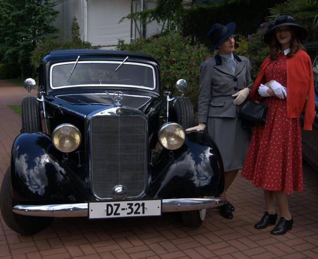 Piękny Mercedes W 143 - 230.