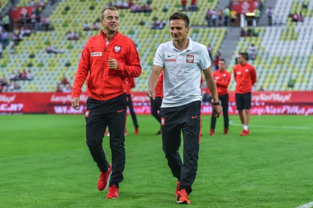"""Sławomir Peszko (z prawej) po cichu liczył, że zagra już na inaugurację Euro 2016 w miejsce kontuzjowanego wówczas Kamila Grosickiego (z lewej). Czy skrzydłowy Lechii dostanie szansę występu w """"11"""" przeciwko Ukrainie?"""