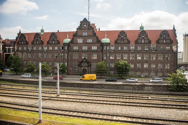 Budynek Agencji Bezpieczeństwa Wewnętrznego w Gdańsku nie przechodził gruntownego remontu od wielu lat.