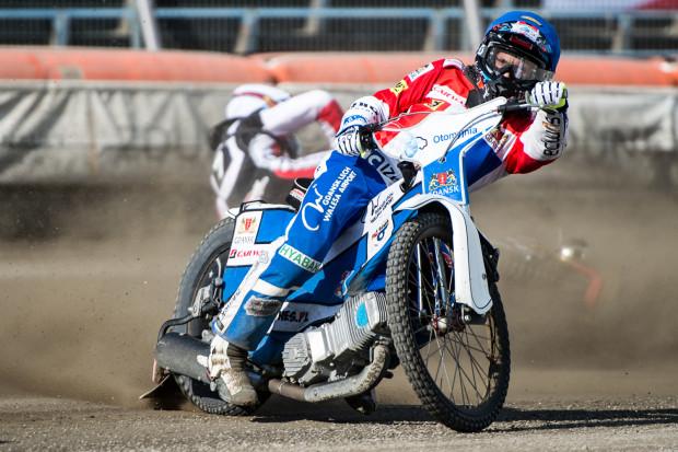 Dominik Kossakowski na torze w Ostrowie Wielkopolskim był bezbłędny i z kompletem punktów awansował do finału Brązowego Kasku.