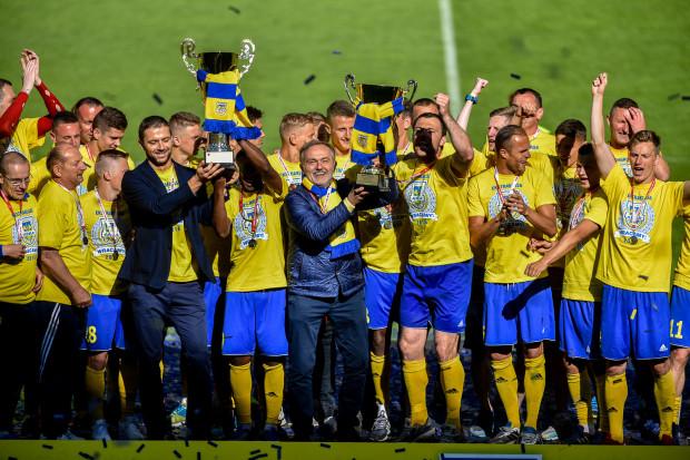 Władze Gdyni po awansie piłkarzy do ekstraklasy zwiększyły jeszcze pulę pieniędzy dla Arki.