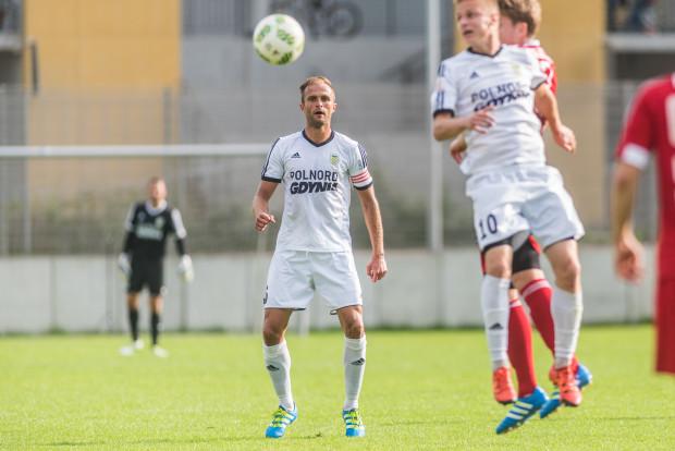 W letnich sparingach po raz ostatni piłkarze Arki prezentują się w koszulkach z logo Polnordu. Ośmioletnia współpraca z tą firmą dobiegła końca. W centralnym miejscu koszulek pozostanie tylko Gdynia.