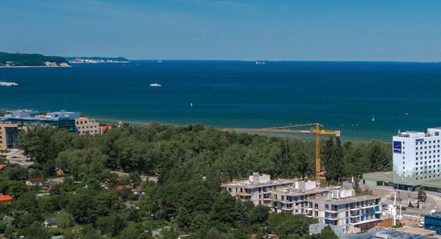 Tre Mare Residence powstaje w niezwykle atrakcyjnym miejscu na granicy Gdańska i Sopotu z plażą i morzem na wyciągnięcie ręki.