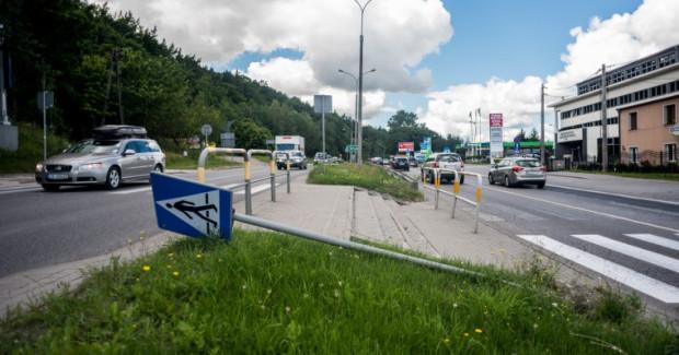 Mieszkańcy uważają, że na przejściu dla pieszych w Cisowej jest niebezpiecznie. Urzędnicy przed podjęciem decyzji chcą jednak poznać wyniki analiz i statystyki policji.