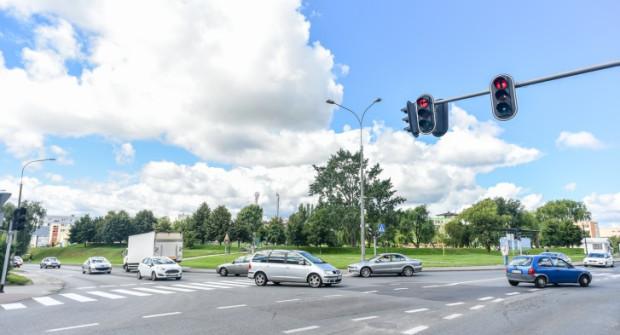 Przebudowa skrzyżowania ma ulżyć kierowcom stojącym w korkach.