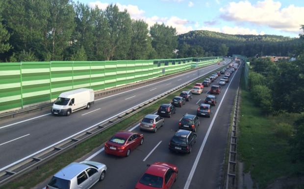 Natężenie ruchu powyżej 90 tys. pojazdów w ciągu doby, to pewne korki w wielu miejscach na obwodnicy.