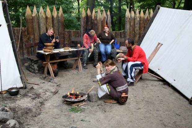 Na terenie grodziska odbywają się pikniki historyczne i archeologiczne.