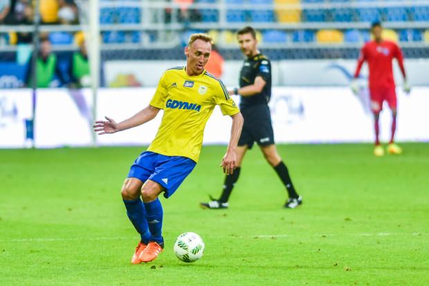 Zdaniem Jarosława Kotasa piłkarze pozyskani w letnim okienku transferowym nie zapewnili Arce podwyższenia poziomu sportowego drużyny. Jednym z nich jest Adam Marciniak (na zdjęciu).
