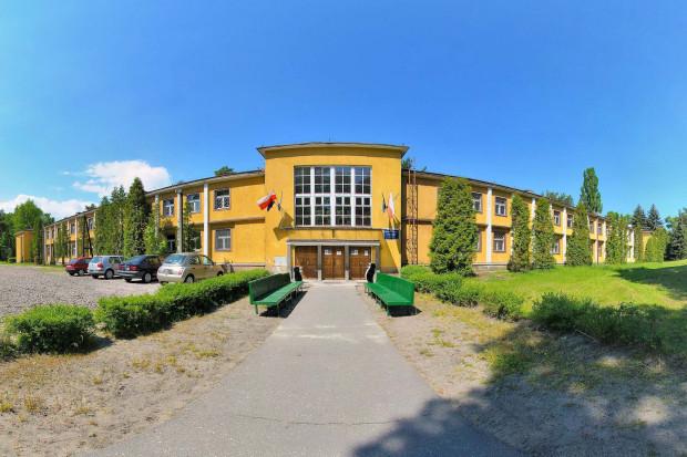 Dotychczas Gdańska Szkoła Wyższa zajmowała kompleks budynków przy plaży na Stogach.