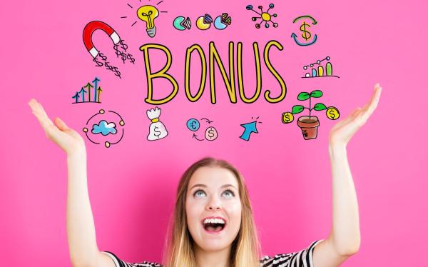 Bonusy, które wybierają pracodawcy mogą pomagać w realizacji potrzeb, bawić lub umacniać wartości ważne dla organizacji.