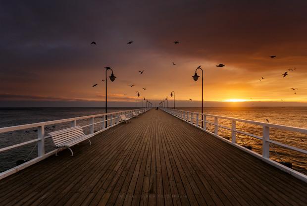 Orłowskie molo jest najbardziej kameralnym spośród trzech takich obiektów w Trójmieście. To idealne miejsce na spędzenie romantycznych chwil.
