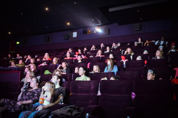 Wiele kin posiada specjalną ofertę adresowaną do szkół.