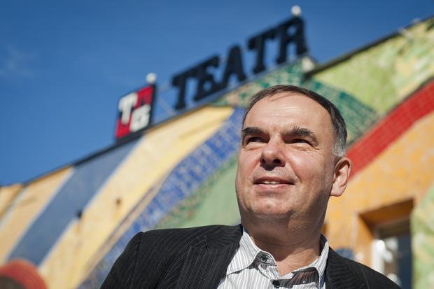"""Krzysztof Babicki w najbliższym sezonie wyreżyseruje """"Lot nad kukułczym gniazdem"""" na Dużej Scenie Teatru oraz """"Kursk"""" na podpokładziu """"Daru Pomorza""""."""