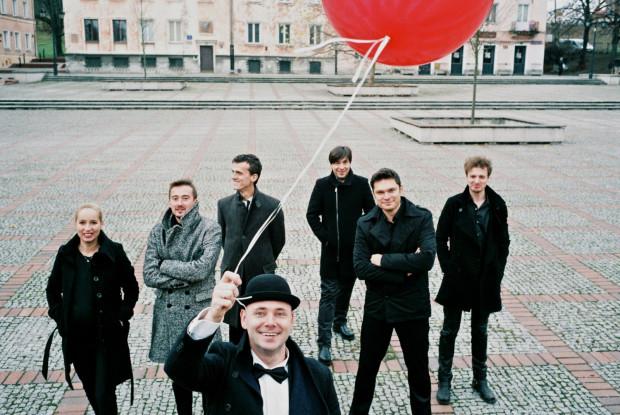 Marcin Wyrostek (akordeon), Jo Quail (wiolonczela elektryczna), Tango Corazon, Orkiestra Festiwalowa Gdynia Classica Nova, Ariel Ludwiczak (dyrygent) wystąpią podczas gali finałowej 22 października o godz. 17 w Sali Koncertowej Portu Gdynia.