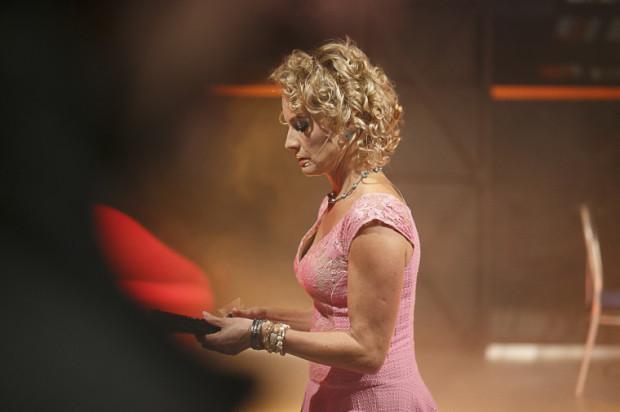 Bardzo dobrze w roli Rosity prezentuje się Beata Buczek-Żarnecka.