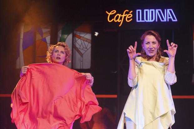 Do ich poziomu dostraja się także Olga Barbara Długońska czyli sceniczna Bianca (po prawej).