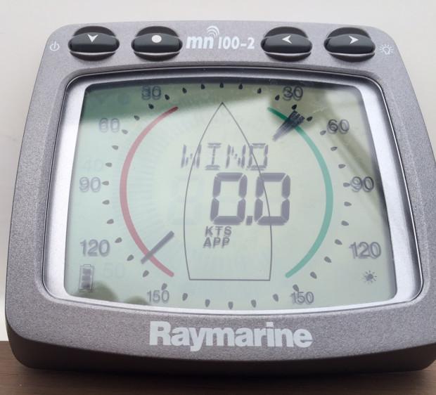 Wskaźnik zero wiatru na środku Zatoki Gdańskiej to nietypowy widok, a taki odczyt notowano podczas 65. wyścigu o Błękitną Wstęgę.
