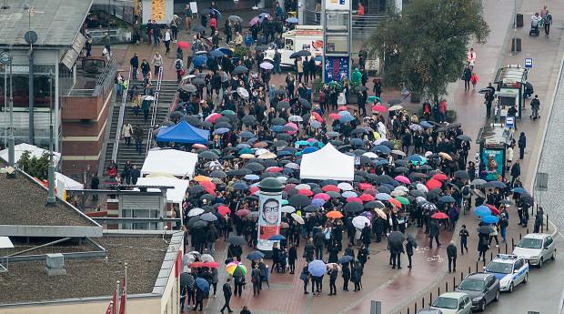 Uczestnicy manifestacji przy Podwalu Grodzkim w  Gdańsku.
