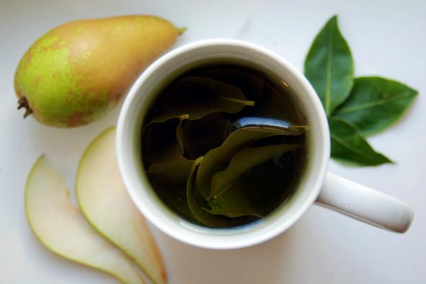 Herbata z liści gruszy ma lekki owocowy aromat i z powodzeniem może zastąpić herbaty owocowe ze sklepu. Jest nie tylko smaczna, ale i zdrowa - między innymi poprawia nastrój, oczyszcza krew i dodaje energii.