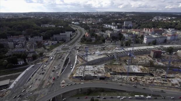 W piątek drogowcy otworzą dla ruchu wiadukt dla kierowców, jadących w kierunku Chełmu. Na drugi musimy zaczekać do drugiej połowy grudnia.