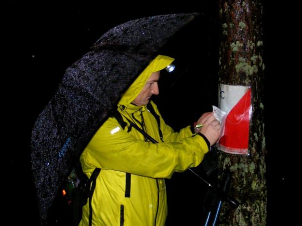 Start w Rajdzie na Orientację pt. Szago na nocnej trasie pieszej BT/TZ