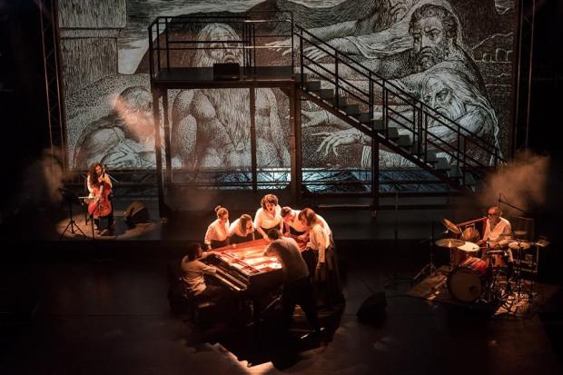 """Opera-requiem """"Hiob"""" to połączenie teatru opartego na biblijnej Księdze Hioba z eksperymentem muzycznym."""