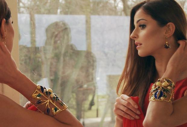 Biżuteria została wykonana przez Cypriana Chorocieja.