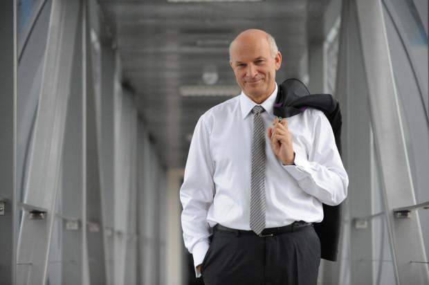 Paweł Olechnowicz funkcję prezesa zarządu Grupy Lotos pełnił nieprzerwanie od 12 marca 2002 roku. Teraz jest dyrektorem generalnym spółki.