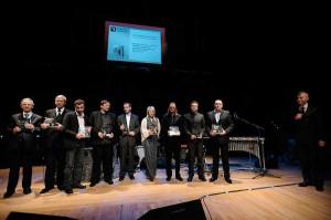 Laureaci Skrzydeł Trójmiasta podczas uroczystej gali w Polskiej Filharmonii Bałtyckiej w 2008 roku.