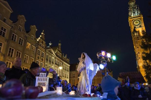 Gdańska Wigilia od ponad 20 lat gromadzi tłumy ludzi.
