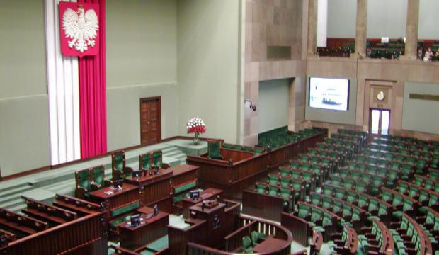 Czy ostatnie wydarzenia w Sejmie oznaczają, że Polaków czekają przedterminowe wybory?