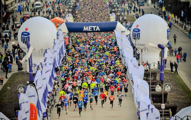 Sportowe imprezy dla amatorów w Trójmieście cieszą się ogromnym zainteresowaniem. Na zdjęciu uczestnicy Biegu Urodzinowego Gdyni.