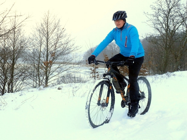 Dzięki odpowiedniej odzieży, zimowy wypad na rower to przyjemność - nawet przez kilka godzin w temperaturze poniżej zera