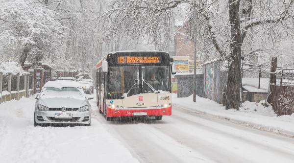 Autobusy linii 115 po zmianach nie będą już kursowały ul. Do Studzienki (nz.), lecz pojadą przy UCK.