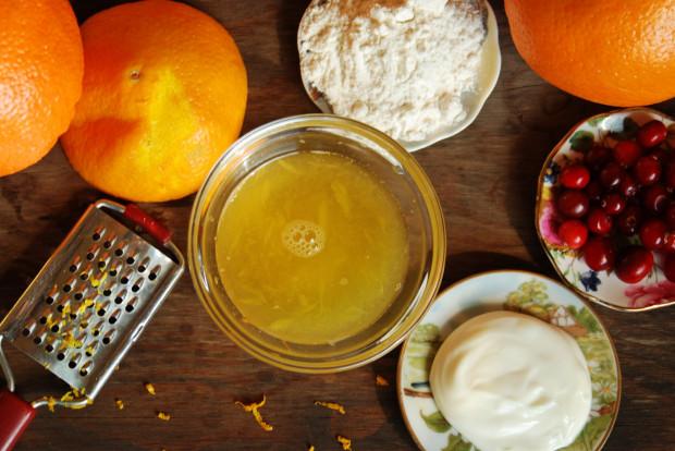 Sok wyciśnięty z pomarańczy to już gotowy kosmetyk, ale dodając do niego np. mąkę, jogurt czy płatki owsiane, może zwiększyć jego pielęgnacyjne działanie.