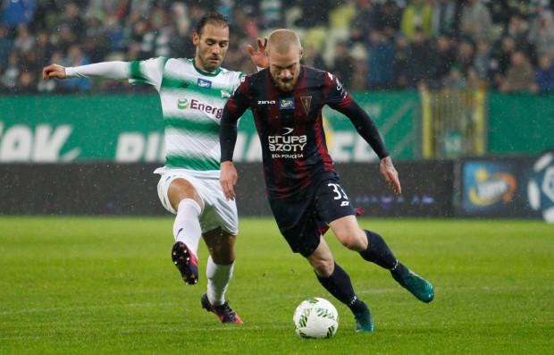 Mateusz Lewandowski w polskiej ekstraklasie reprezentował barwy Pogoni. Zaliczył także 11 meczów we włoskim Virtusie Entella.