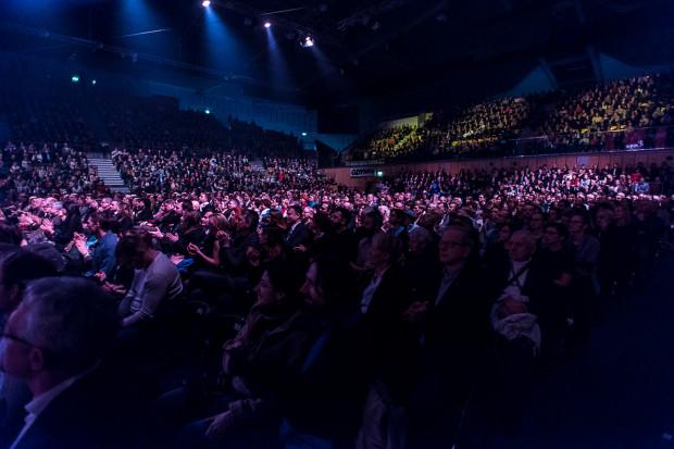 Publiczność, która wypełniła Gdynia Arenę do ostatniego miejsca, nagrodziła wykonawców zasłużonymi, gromkimi brawami i owacją na stojąco. Pozostaje nam zatem mieć nadzieję, że tego rodzaju zamówienia nie będą miały charakteru incydentalnego i że Gdynia zacznie hojniej finansować wydarzenia kulturalne.