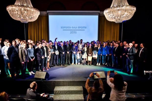 Wspólne zdjęcie wszystkich laureatów