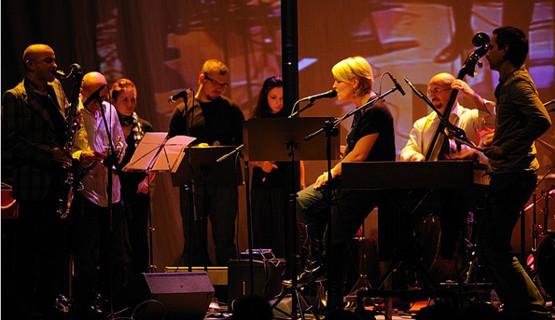 Materiał z płyty Secretly swoją premierę miał podczas zeszłorocznego festiwalu Jazz Jantar, w klubie Żak.
