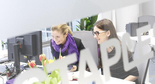 Kobiety coraz częściej znajdują pracę w branży IT.